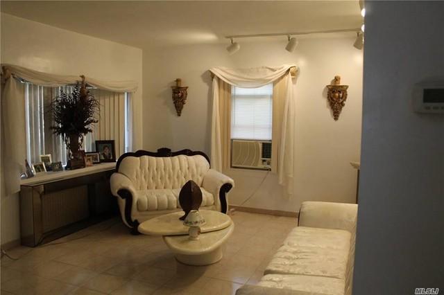 973 Cloud Avenue Franklin Square New York 11010 For Sale Douglas Elliman